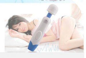 Chày rung massage 2 đầu, một đầu massage dáng chày rung, đầu còn lại là lưỡi gai mini. Hai công dụng trong cùng một sản phẩm CHÀY RUNG MASSAGE LCD GALAKU. Thủ dâm nữ, massage ngực, toàn bộ phận trên cơ thể, giải tỏa sinh lý hiệu quả.